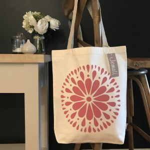jemali-white-adult-flower-tote